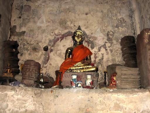 Interior - Wat Prang Torng